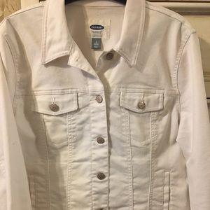 Old Navy white denim jacket 🧥.Slightly worm